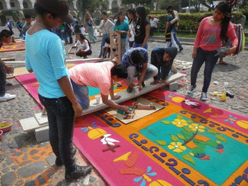 La Antigua Guatemala, flores en Semanana Santa