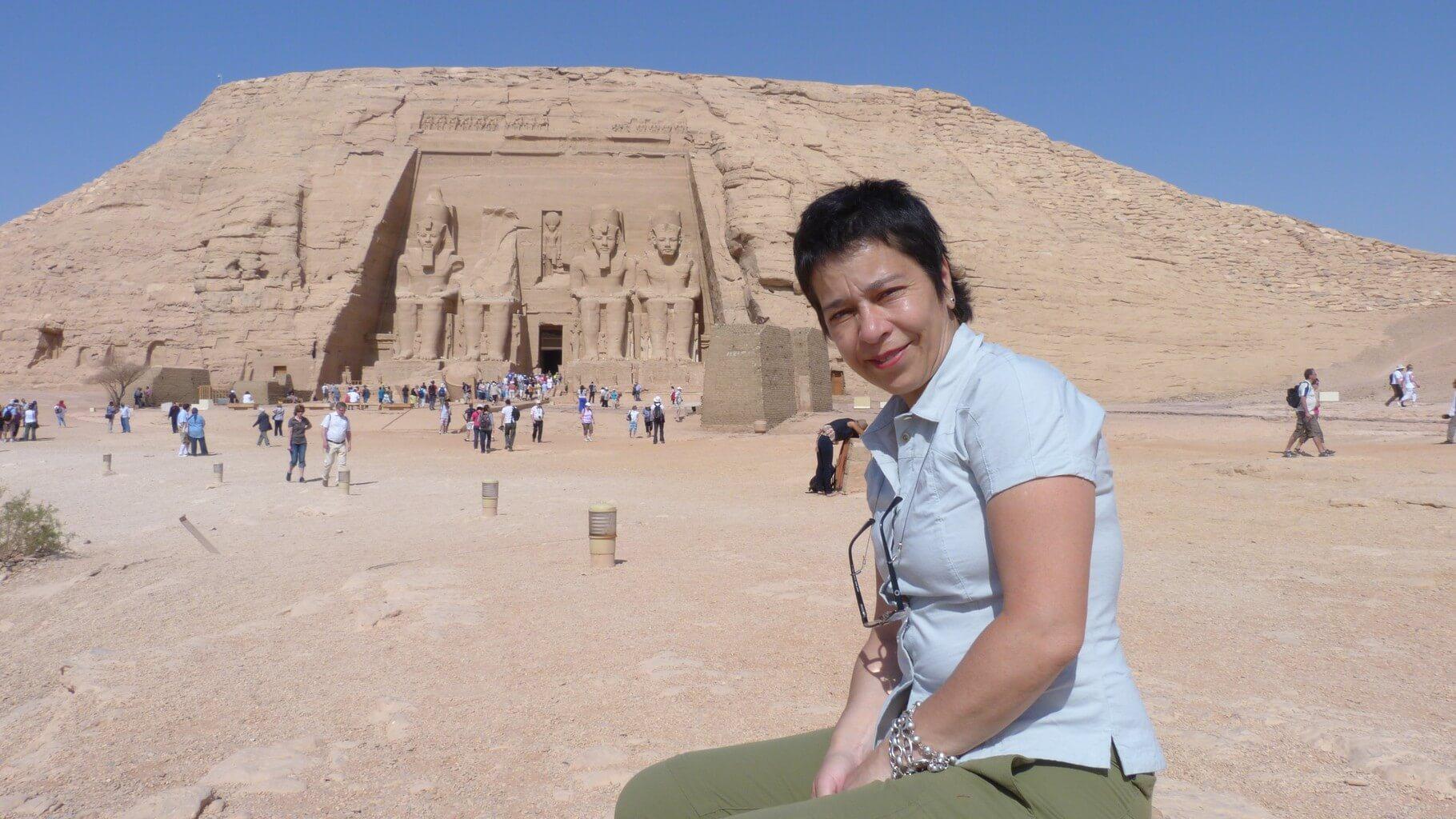 Lilián Viajera en Abu Simbel